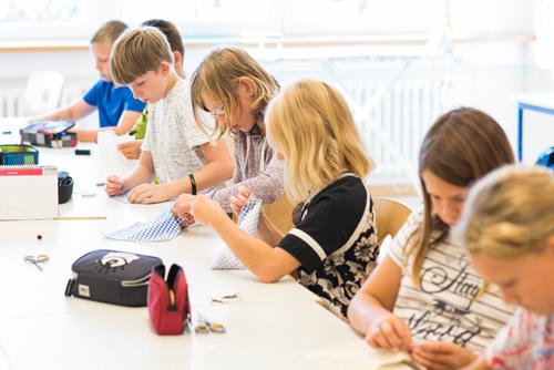 Textilunterricht, Christian-Hülsmeyer-Schule, Barnstorf